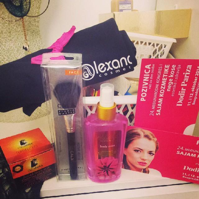 #alexandarcosmetics #sajamkozmetike#cosmetic #pokloni#happy  Pa sad sam spremna za sajam Hvala@alexandarcosmetics