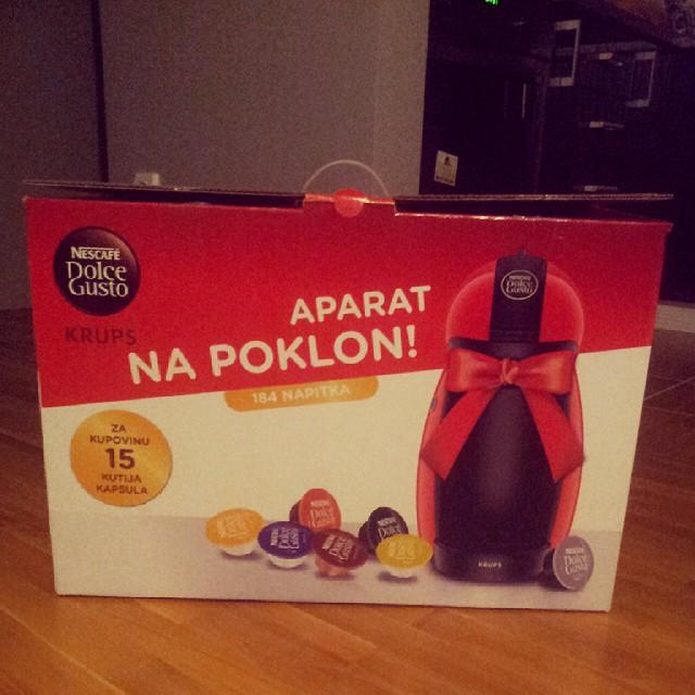#krups#dolcegusto#nescafe #caffe #caffemaschiene#aparatzakafu#domacica Ko ce na kafu?domacica dobila poklon♡♥♥♥♥♡♡♡;-):-:-):-);-)